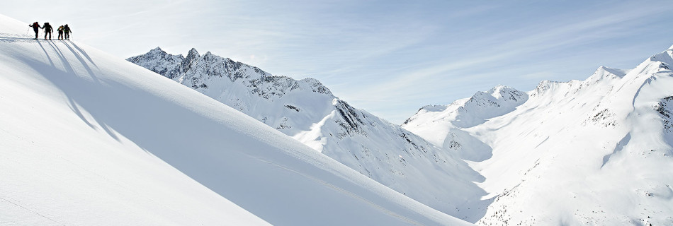 No.04  Peak of winter ski tours in the-high Pfitsch valley (Zillertaler and Pfunderer Mountains